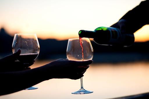 Wine tastes better if it is thought to be expensive due to a physical change in the brain, according to a study