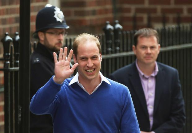 Britain's Prince William waves as he leaves after the birth of his daughter at the Lindo Wing of St Mary's Hospital, in London, Britain May 2, 2015. Britain's Duchess of Cambridge, has given birth to a daughter, the couple's residence Kensington Palace announced on Saturday. REUTERS/Neil Hall TPX IMAGES OF THE DAY