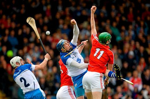 3 May 2015; Austin Gleeson, centre, Waterford, and teammate Shane Fives, left, in action against Seamus Harnery, Cork. Allianz Hurling League, Division 1 Final, Cork v Waterford. Semple Stadium, Thurles, Co. Tipperary. Picture credit: Cody Glenn / SPORTSFILE