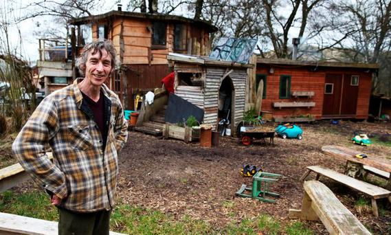 Damned Designs: Don't Demolish My Home (Eddie and wife Kim), Channel 4