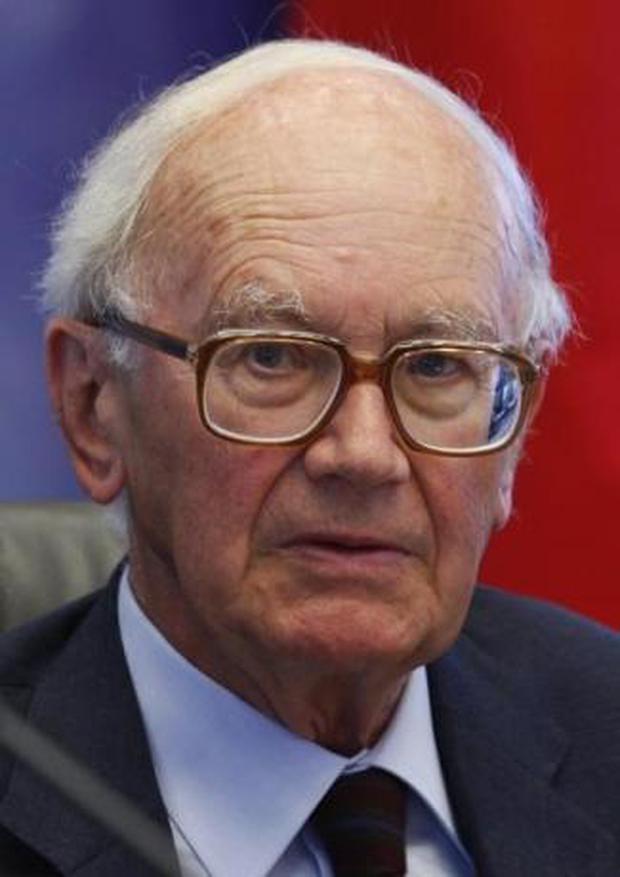 Baron Alexandre Lamfalussy, chairman of the Superior Committee for a new financial architecture in Belgium, attends the presentation of the report of the Lamfalussy Committee at the Egmont Palace in Brussels June 16, 2009. REUTERS/Francois Lenoir