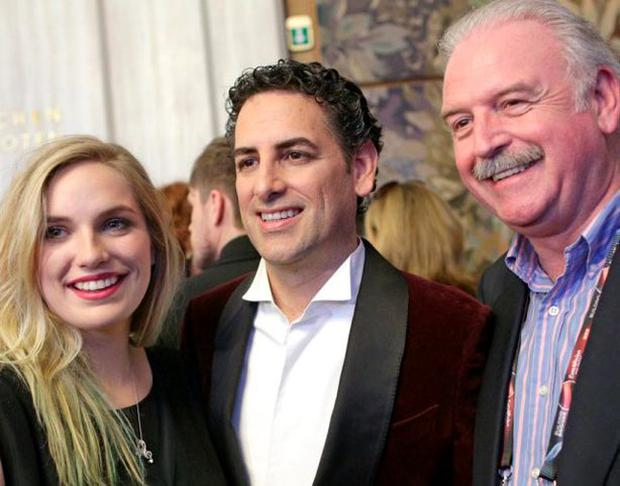 Molly Sterling poses with tenor Juan Diego Lopez and Marty Whelan at the 'Pop meets Opera' event in Vienna