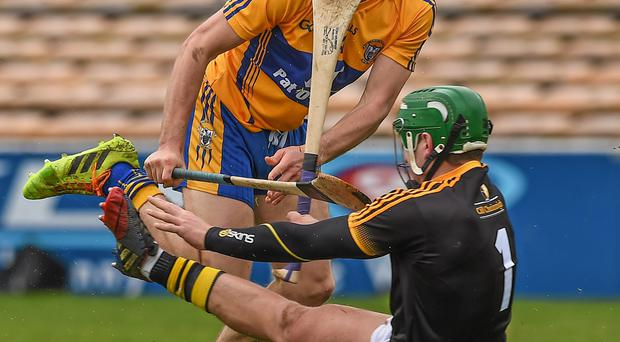 29 March 2015; Shane O'Donnell lifts the sliothar over the head of the Kilkenny goalkeeper Eoin Murphy to score a goal for Clare Allianz Hurling League, Division 1A, Relegation Play-off, Kilkenny v Clare. Nowlan Park, Kilkenny. Picture credit: Ray McManus / SPORTSFILE