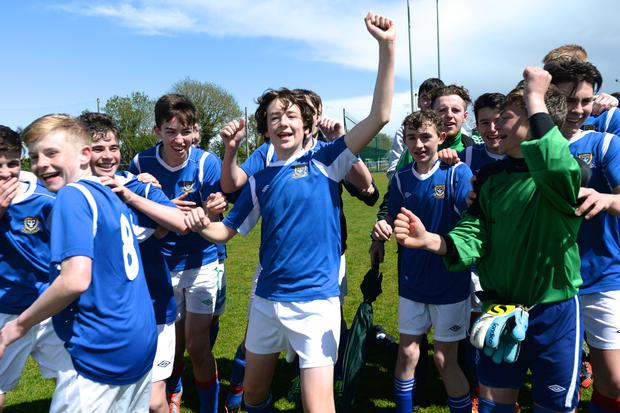 19/05/15. Templeouge College celebrate winning the Under 15s soccer final between Colaiste Phadraig CBS and Templeouge College at Peamount Utd. Pic: Justin Farrelly.