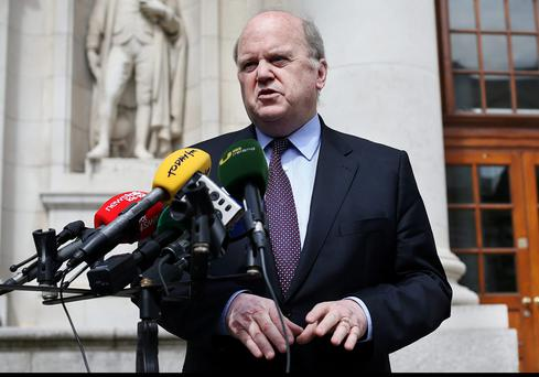 Mr Noonan was careful not to quote a figure yesterday, instead insisting he wants banks to offer different interest options on variable and fixed rates to retain competition among banks