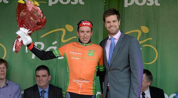 Ian Bibby, NFTO, after receiving The LeasePlan Stage Jersey from John Trevor McVeagh yesterday (Paul Mohan / SPORTSFILE)