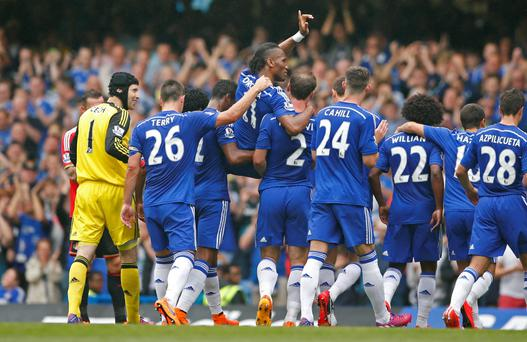 Chelsea's Didier Drogba is carried off by team mates as he is substituted Action Images via Reuters / John Sibley Livepic