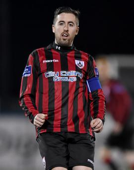 A goal from Mark Salmon saw Longford move to sixth place in the table