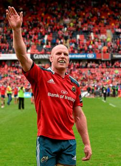 Paul O'Connell salutes the Munster supporters at Thomond Park