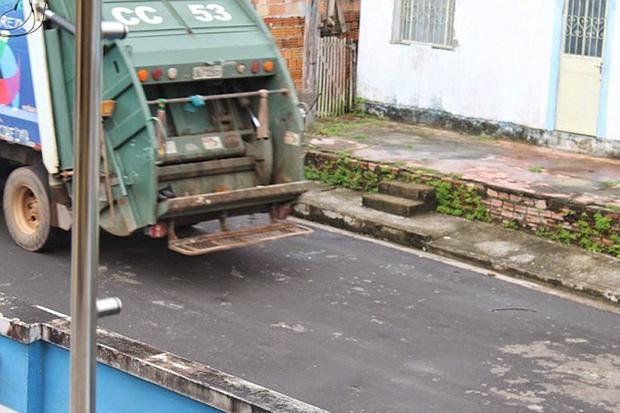 The dog is thought to have still been alive when the bin lorry returned to its depot Credit: Porto do Urubui