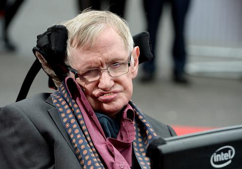 Stephen Hawking supports a project dedicated to the search for alien life