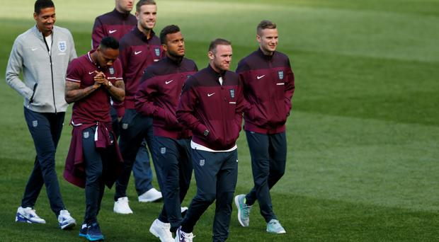 Wayne Rooney and the England team at the Aviva