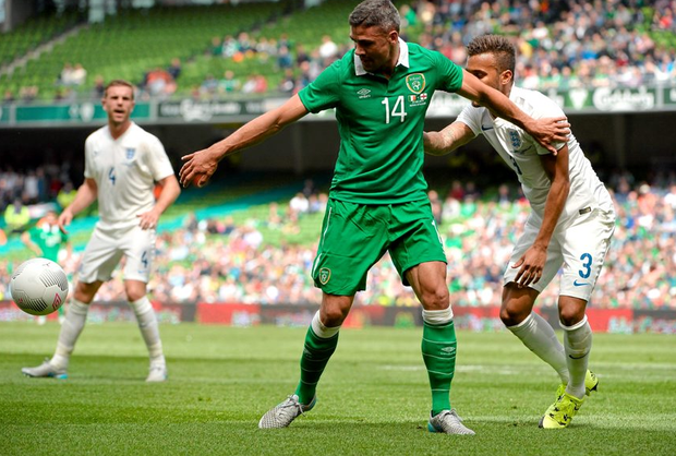 Jonathan Walters in action against England's Ryan Bertrand