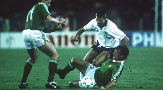 Kevin Sheedy and Kevin Moran, Republic of Ireland, in action against Steve Bull, England. Republic of Ireland v England, 1990 World Cup Finals, Italy. Soccer. Picture credit; Ray McManus/SPORTSFILE