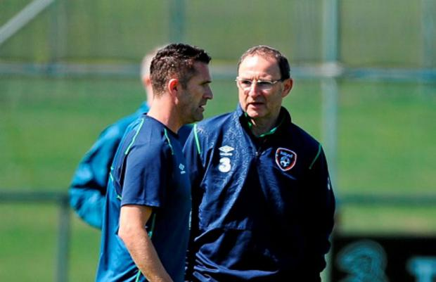 Republic of Ireland's Robbie Keane, left, in conversation with manager Martin O'Neill during squad training. Gannon Park, Malahide, Co. Dublin. Picture credit: Seb Daly / SPORTSFILE