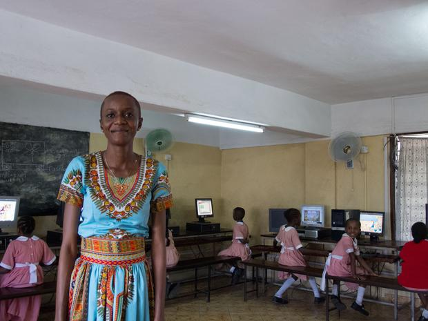 Madam Chiku and her class at the Ganjoni Primary School, Mombasa (Photo: Denise Calnan)