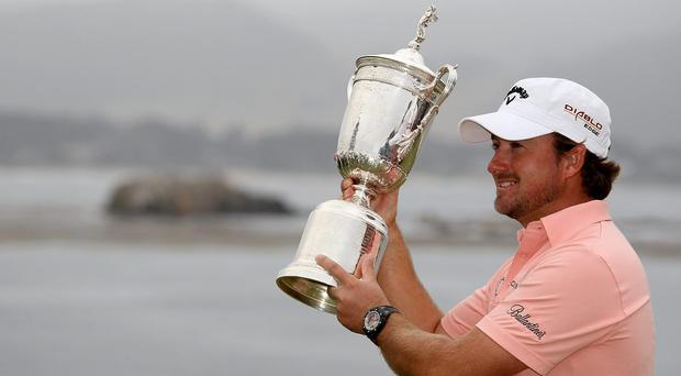 Graeme McDowell holds the US Open trophy in 2010