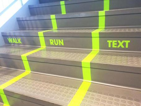Utah Valley University has installed a 'texting lane' in the college (Photo: Utah University)