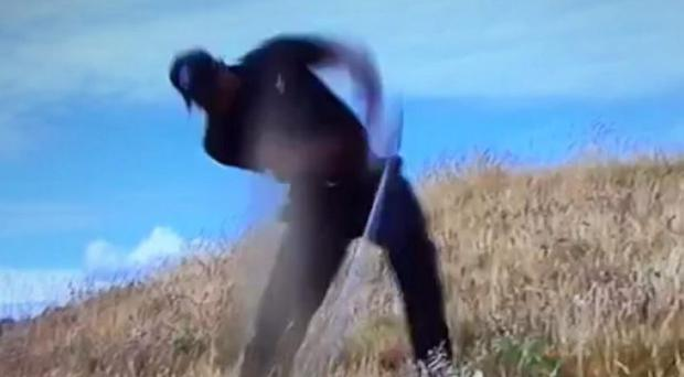 Tiger Woods loses grip of his iron