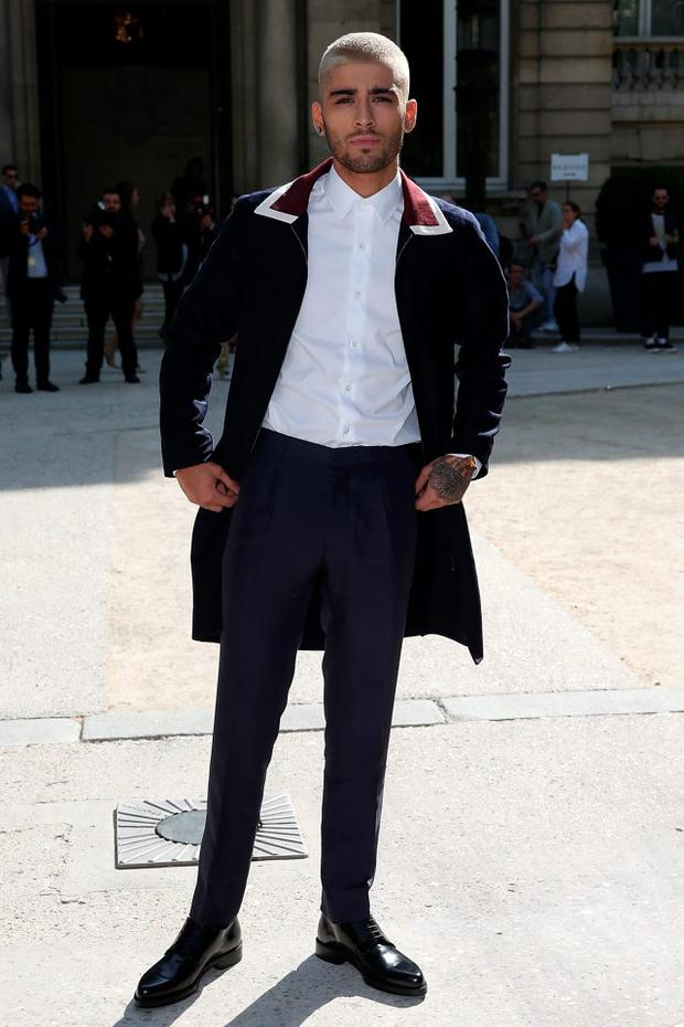 Zayn Malik attends the 22/4_Hommes Menswear Spring/Summer 2016 show as part of Paris Fashion Week>> on June 24, 2015 in Paris, France. (Photo by Pierre Suu/Getty Images)