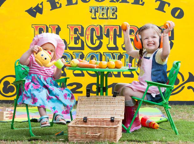 Matilda Balfe and Isabella Falchetto help launch Theatre of Food at this year's Electric Picnic. The happy pair will be demoing some of their delicious vegan recipes at the Theatre of Food to help Picnickers with an easy and fun approach to healthy eating! Picture: Tony Kinlan.
