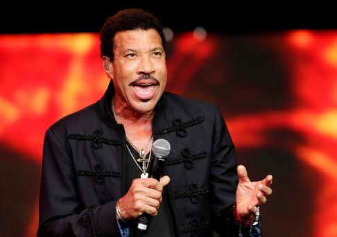 Lionel Richie performing on The Pyramid Stage during the Glastonbury Festival, at Worthy Farm in Somerset. PRESS ASSOCIATION Photo. Picture date: Sunday June 28, 2015. Photo credit should read: Yui Mok/PA Wire