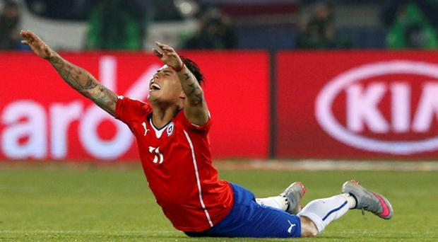 Chile's Eduardo Vargas reacts after his team's victory over Peru in their Copa America 2015 semi-final soccer match at the National Stadium in Santiago