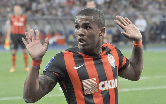 Tug-of-war: Chelsea and Bayern Munich both want Douglas Costa