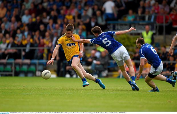 Cathal Cregg, Roscommon, in action against Niall Murray, Cavan. GAA Football All-Ireland Senior Championship, Round 2A, Cavan v Roscommon. Kingspan Breffni Park, Cavan. Picture credit: Paul Mohan / SPORTSFILE