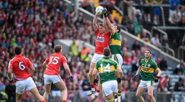 Aidan Walsh, Cork, competes for a kick out with Anthony Maher, Kerry. Munster GAA Football Senior Championship Final, Cork v Kerry, P?irc Ui Chaoimh, Cork. Picture credit: Brendan Moran / SPORTSFILE