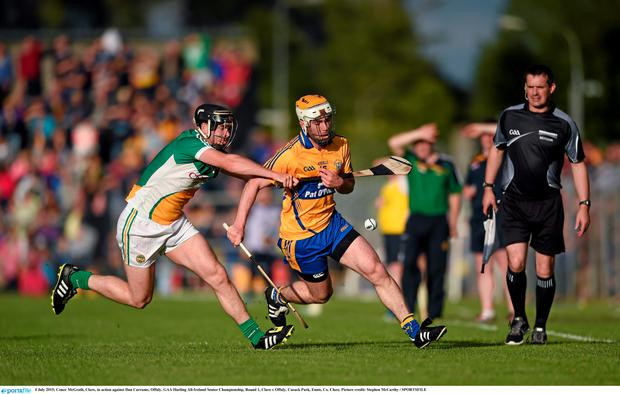 Conor McGrath, Clare, in action against Dan Currams, Offaly. GAA Hurling All-Ireland Senior Championship, Round 1, Clare v Offaly. Cusack Park, Ennis, Co. Clare. Picture credit: Stephen McCarthy / SPORTSFILE