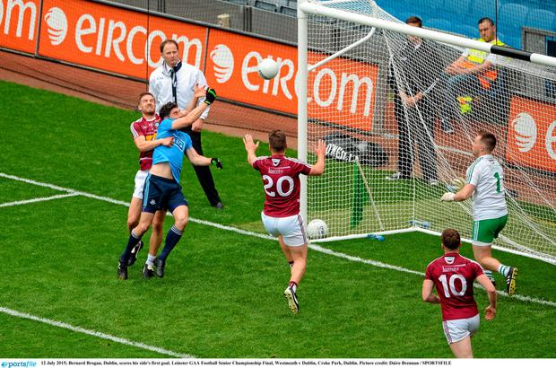 12 July 2015; Bernard Brogan, Dublin, scores his side's first goal. Leinster GAA Football Senior Championship Final, Westmeath v Dublin, Croke Park, Dublin. Picture credit: D?ire Brennan / SPORTSFILE