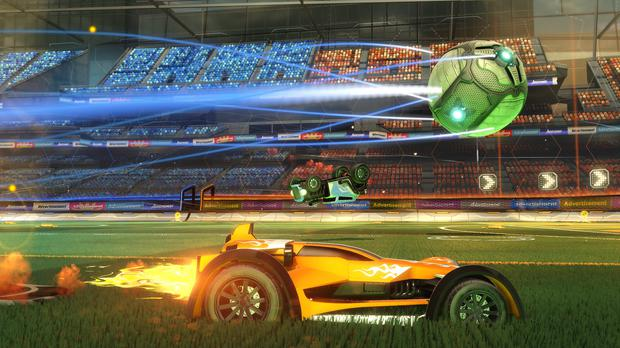 Rocket League: Up to eight players can complete online