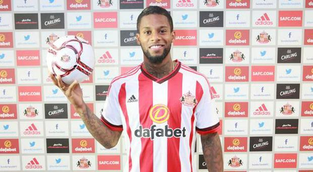 Jeremain Lens has completed his move from Dynamo Kiev to Sunderland