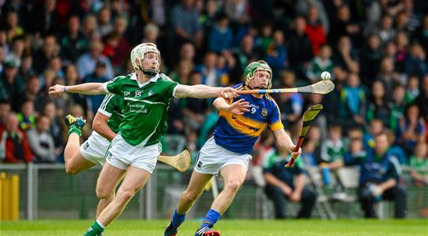 Cian Lynch, Limerick, in action against Stephen Cahill, Tipperary. Bord Gáis Energy Munster GAA U21 Hurling Championship, Semi-Final, Limerick v Tipperary (Sportsfile)
