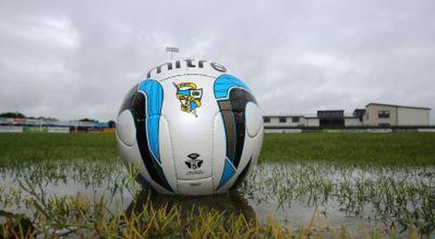 Athlone Town has called on the FAI to scrap the eight team First Division as it is not
