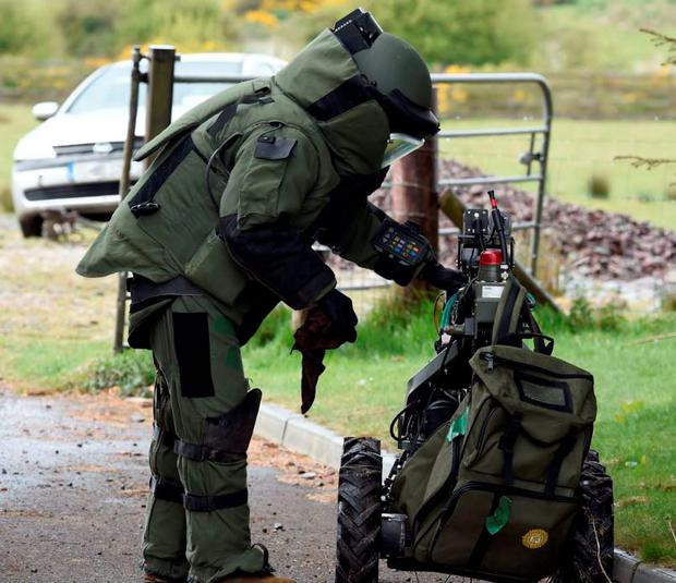 EOD team in training Credit: Defense Forces