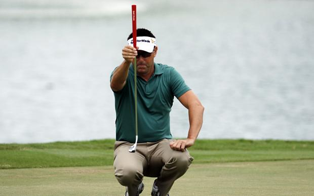 Robert Allenby goes it alone on the green