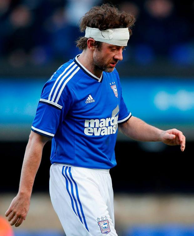Noel Hunt of Ipswich Town set to complete his move to Southend United this weekend once he passes his medical