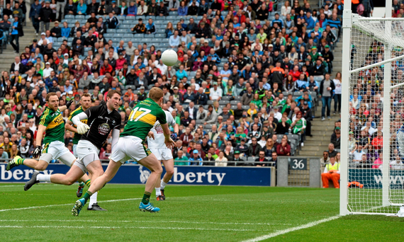 Colm Cooper, Kerry, score's his side's second goal