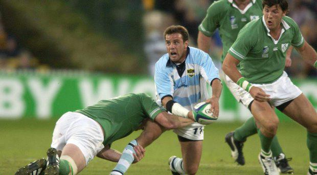 Diego Albanese, Argentina, in action against Malcolm O'Kelly and Shane Horgan