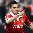 Nicolas Gaitan is poised to leave Benfica for Manchester United