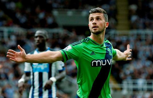 Shane Long celebrates scoring the second goal for Southampton Reuters / Andrew Yates