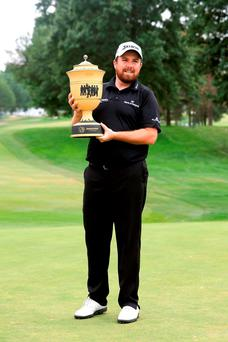 Shane with WGC trophy