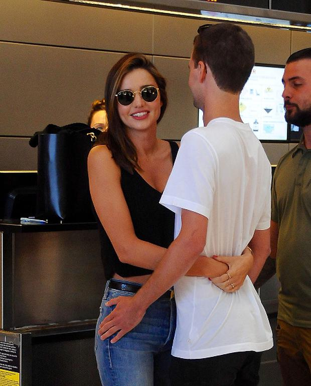Miranda Kerr and billionaire boyfriend Evan Spiegel are seen out and about leaving LAX on August 12, 2015 in Los Angeles, California. (Photo by HEV/BuzzFoto via Getty Images)