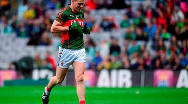 Kevin Keane, Mayo, leaves the field after he was shown the red card by referee David Gough. GAA Football All-Ireland Senior Championship Quarter-Final, Donegal v Mayo, Croke Park, Dublin. Picture credit: Piaras Ó Mídheach / SPORTSFILE