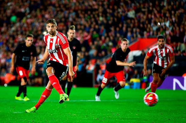 Jay Rodriguez of Southampton scores from the penalty spot during the UEFA Europa League Play Off Round 1st Leg match between Southampton and Midtjylland at St Mary's