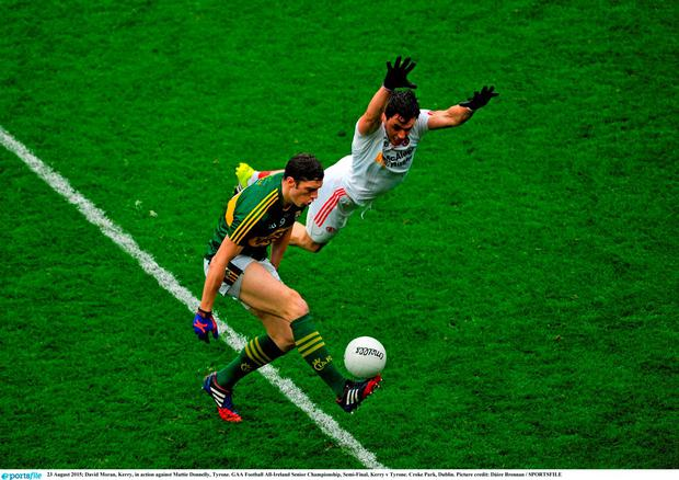 David Moran, Kerry, in action against Mattie Donnelly, Tyrone. GAA Football All-Ireland Senior Championship, Semi-Final, Kerry v Tyrone. Croke Park, Dublin. Picture credit: Dáire Brennan / SPORTSFILE