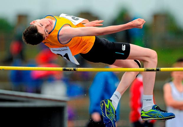 23 August 2015; Thomas Clancy, Carrigaholt-Cross, Co. Clare, competing in the Boys U16 & O14 High Jump. HSE National Community Games Festival, Weekend 2. Athlone IT, Athlone, Co. Westmeath. Picture credit: Seb Daly / SPORTSFILE