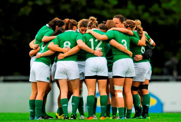 The Ireland team huddle before the game. Women's Sevens Rugby Tournament, Ireland v China. Picture credit: Eoin Noonan / SPORTSFILE